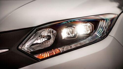 2015 Honda HR-V 1.6 i-DTEC lights