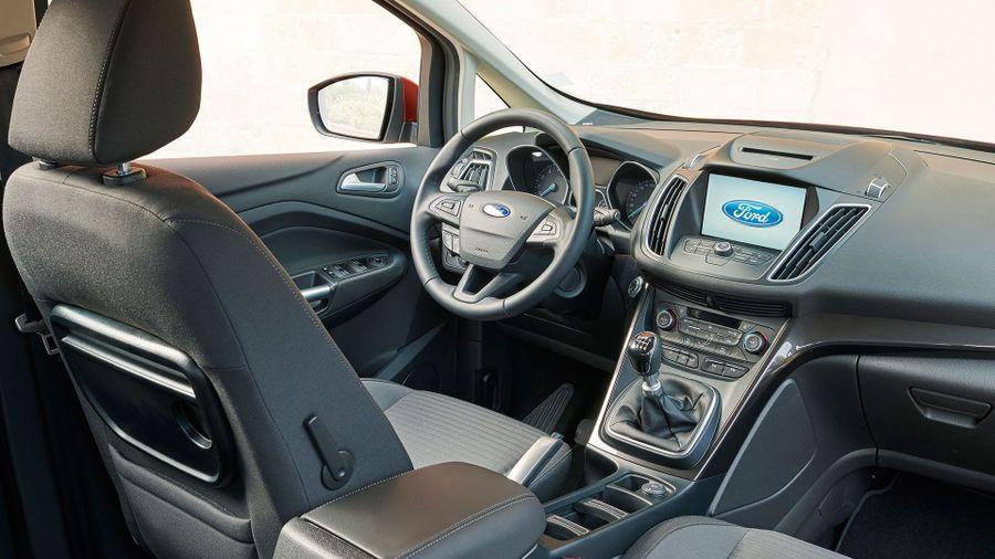 2015 Ford Grand C-Max interior