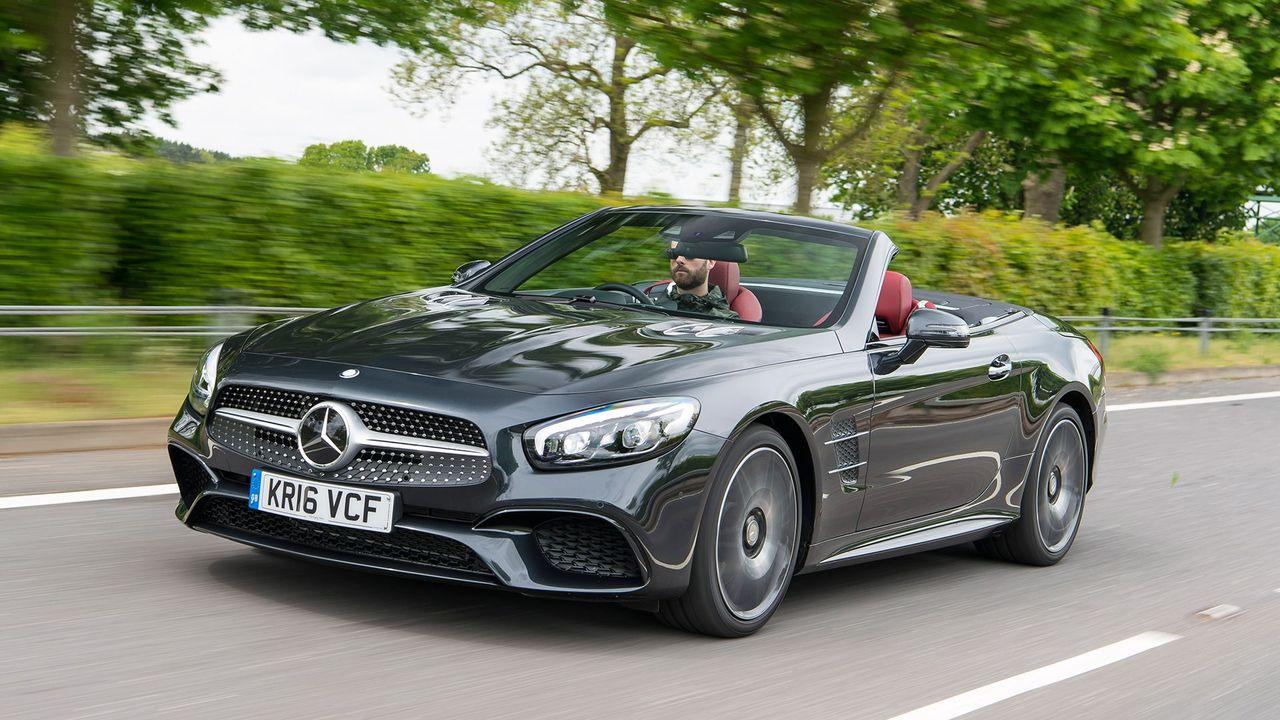 2016 Mercedes SL 400 action