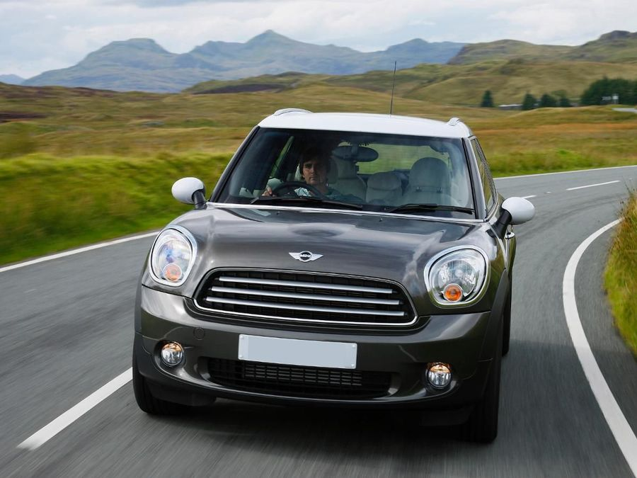 mini countryman cooper 4 4 2010 review auto trader uk. Black Bedroom Furniture Sets. Home Design Ideas