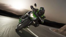 Picture of Kawasaki Z800 Sports Tourer (2012 - ) review