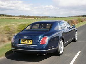 Bentley Mulsanne saloon