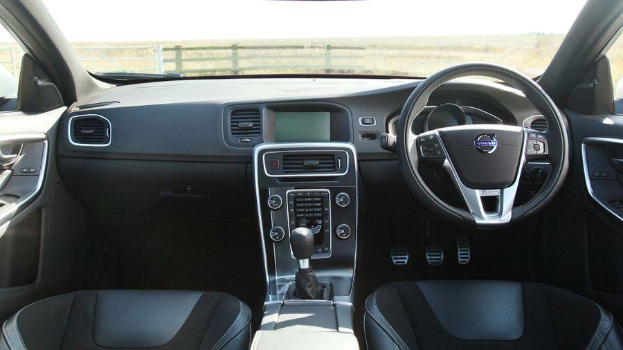 2013 Volvo S60 front interior