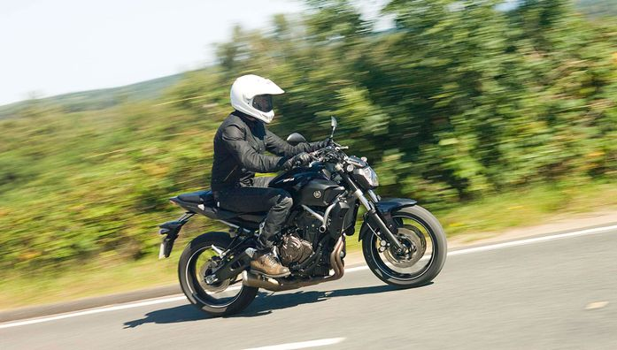 Yamaha MT-07 Naked (2014 - ) review