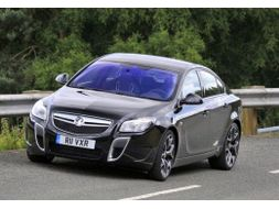 vauxhall insignia hatchback 2008 owner review car reviews auto trader. Black Bedroom Furniture Sets. Home Design Ideas