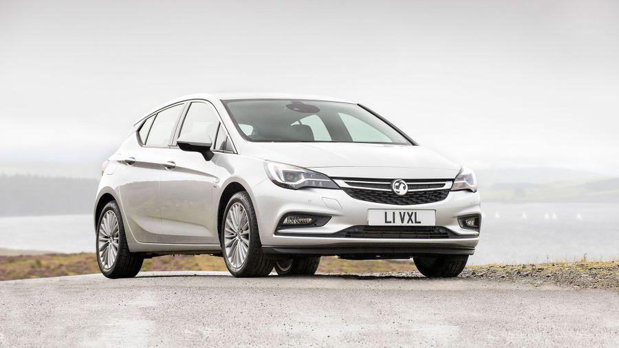 2015 Vauxhall Astra exterior