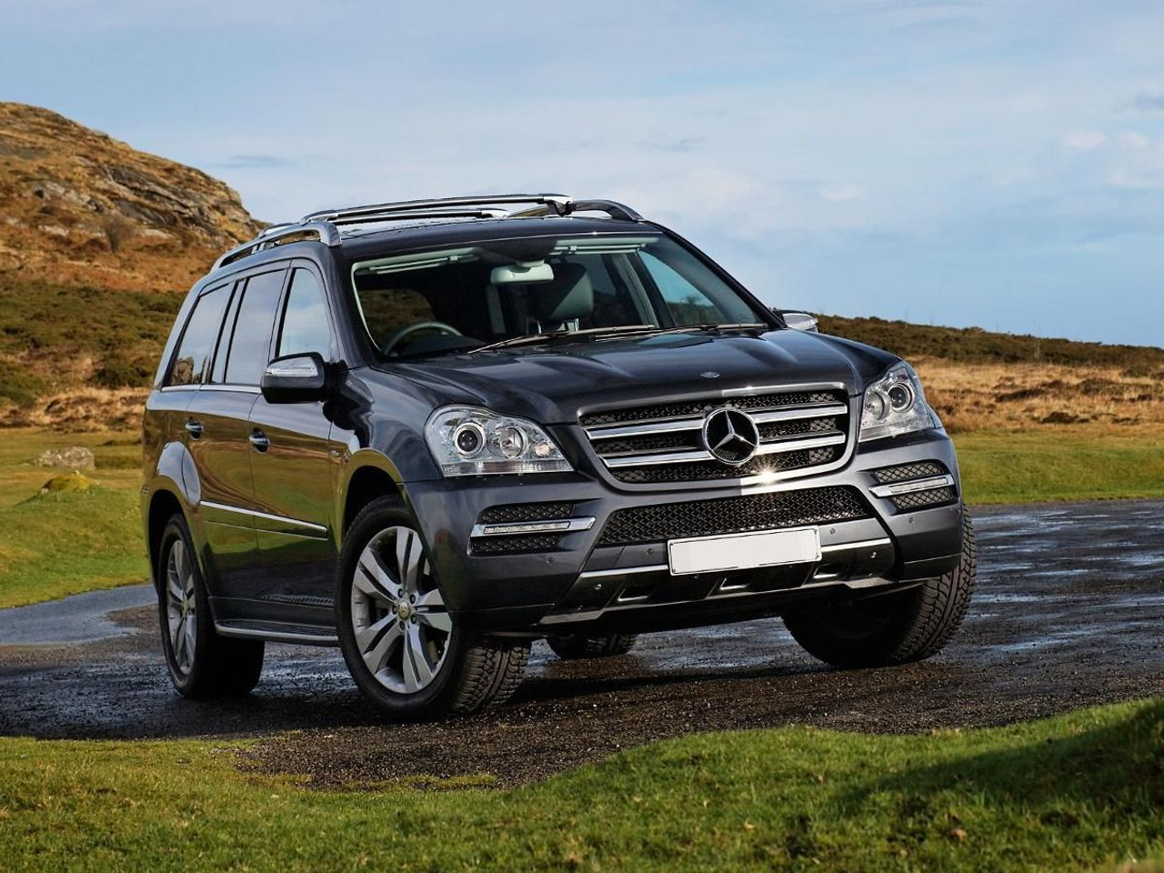 Mercedes benz gl class suv 2006 2012 review auto for Mercedes benz e class suv
