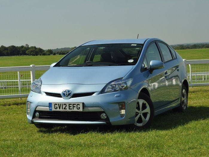 Toyota Prius Plug-in hatchback