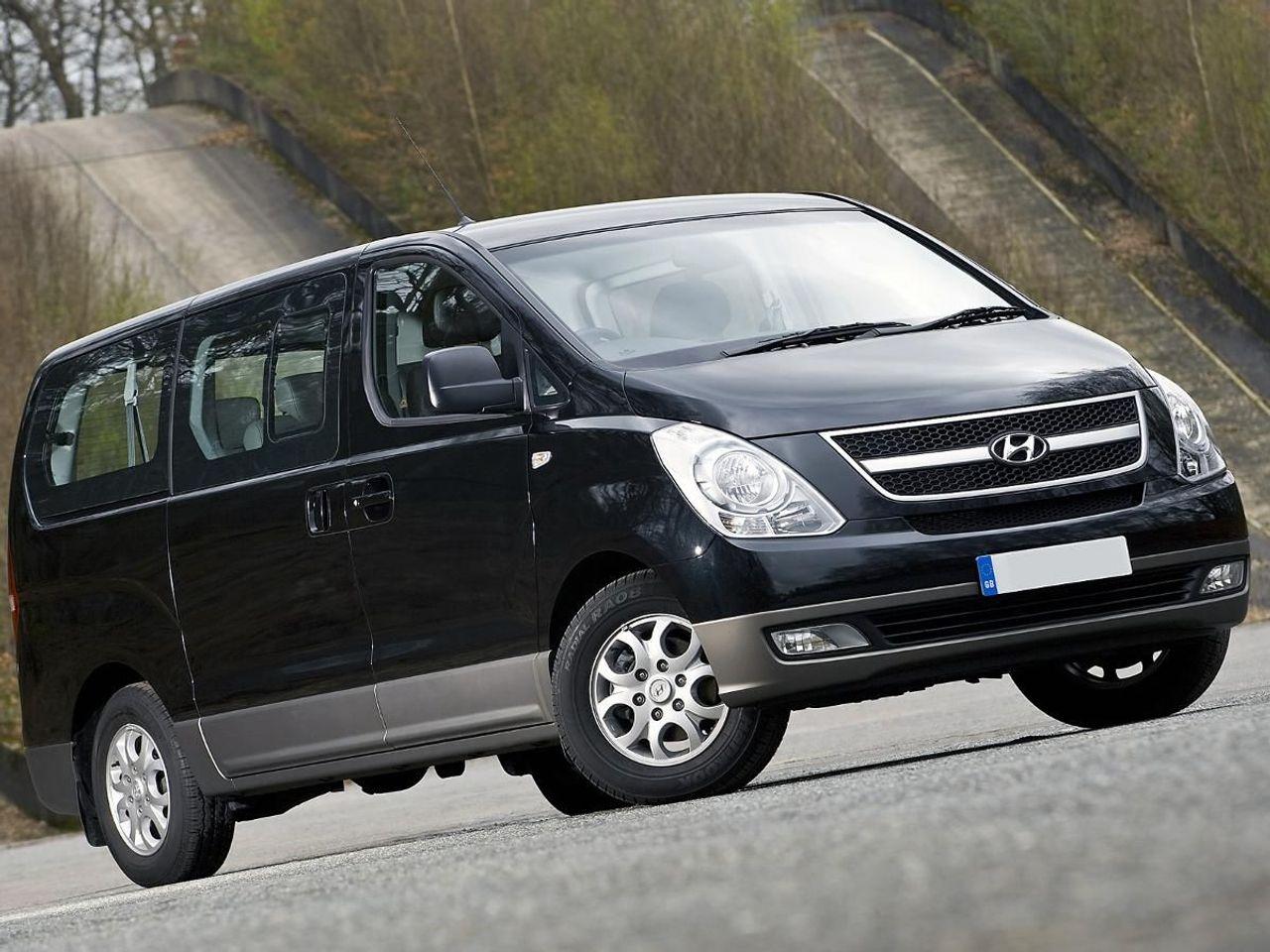 Hyundai i800 MPV