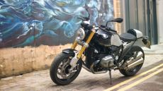 Picture of BMW R nine T Naked (2013 - ) review