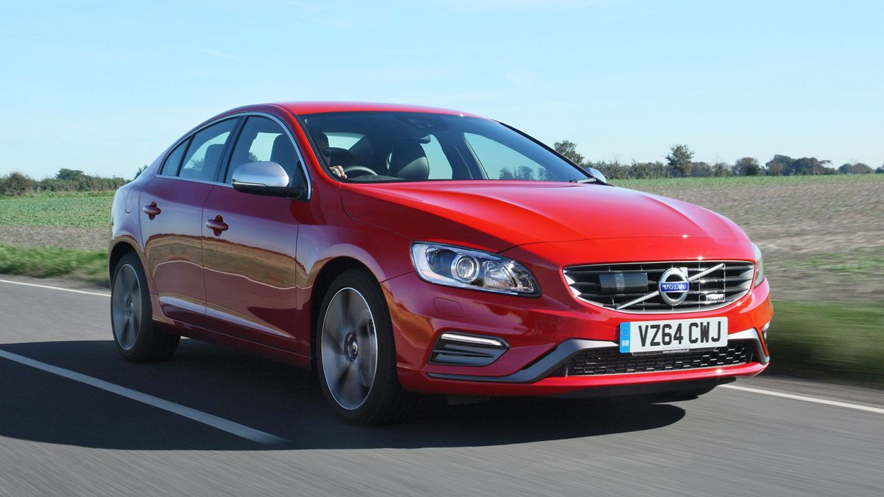 2013 Volvo S60 front 3/4 dynamic