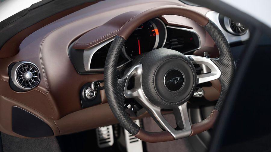 2014 McLaren 650 Coupe interior