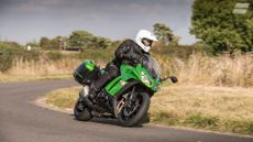 Kawasaki Z1000 Sports Tourer (2006 - ) review