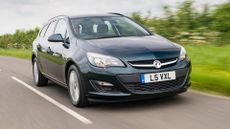 Vauxhall Astra Estate (2012 - ) review
