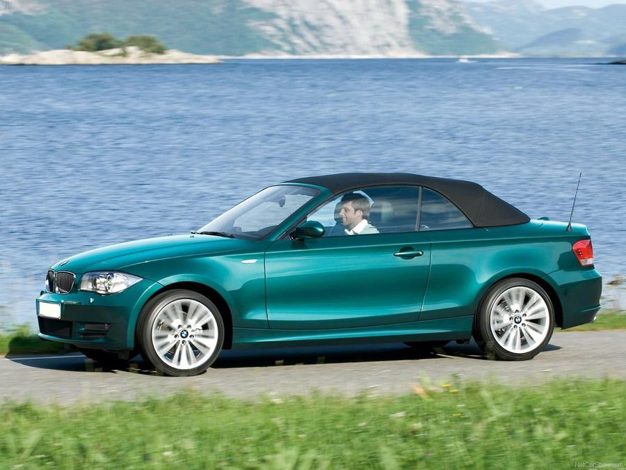 bmw 1 series convertible 2007 2011 review auto trader uk. Black Bedroom Furniture Sets. Home Design Ideas