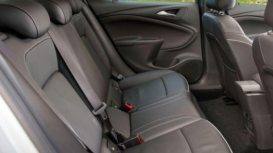 2015 Vauxhall Astra practicality