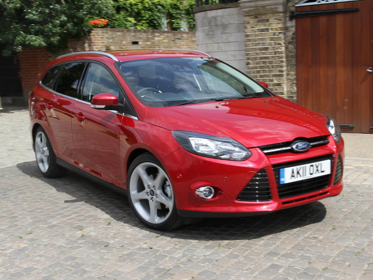 ford focus review estate 2011 auto trader uk. Black Bedroom Furniture Sets. Home Design Ideas